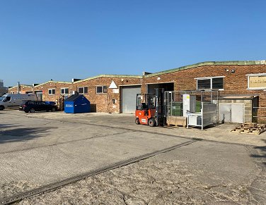 Petchey purchase an industrial unit in Bicester.